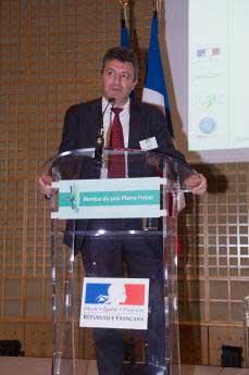 Un prix Pierre Potier remis à Onip, par Emmanuel Macron !