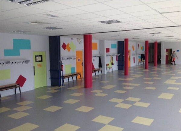 Hall de l'école en Label'Onip Clean'R