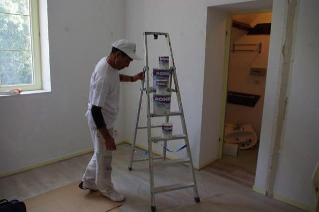 Peintre sur le chantier de Condé en Brie